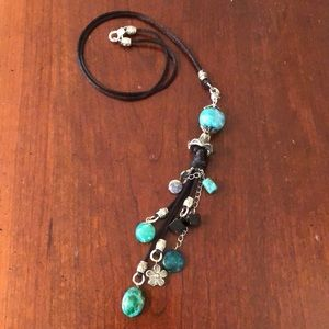 Jewelry - Beaded string necklace